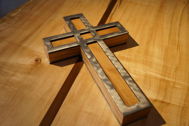 Cross - Maitheanas