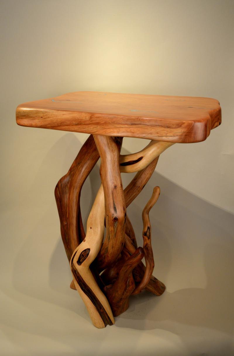 Juniper Display Table
